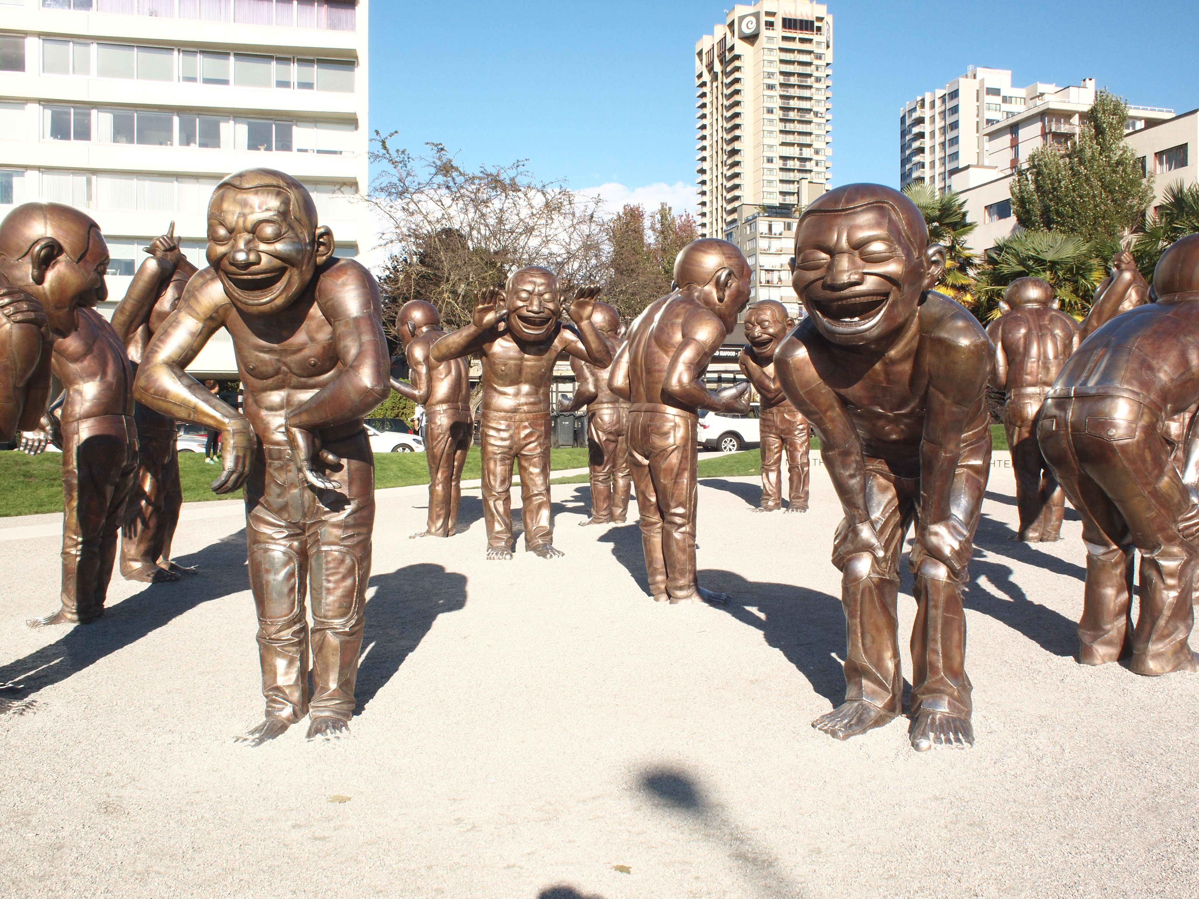 laughing-statues.jpg