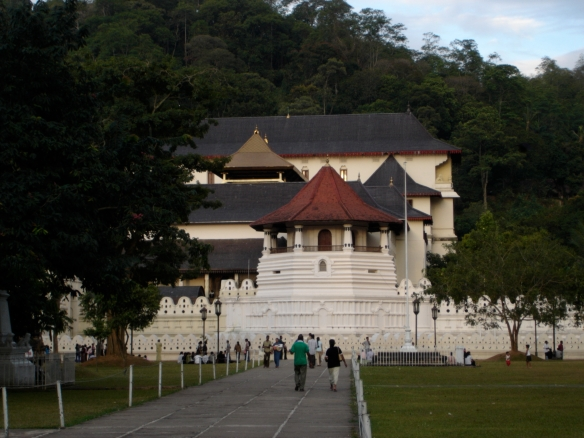 Sri Dalada Maligawa (The Sacred Temple of the Tooth Relic), Kandy